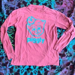Long sleeved Piggly Wiggly tee
